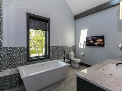 Master Bathroom With Glass Tile Surround